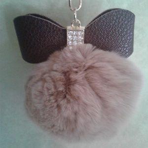 💥⬇️FINAL⬇️🎀Purse Charm Fluffy Ball w/Bow Tie 🎀